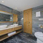 cocoland-riverside-resort-lake-toilet